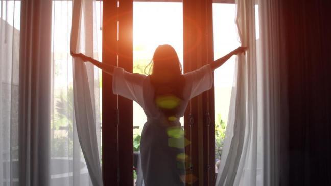 donna alla finestra.jpg