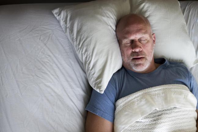uomo che dorme 1.jpg