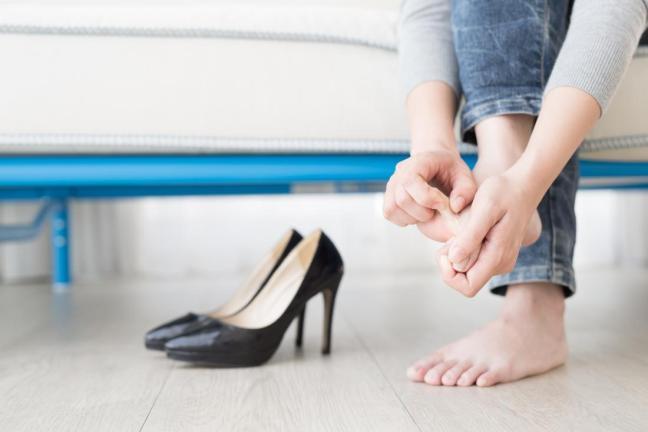 piede con fungo tra le dita farmajet.jpg
